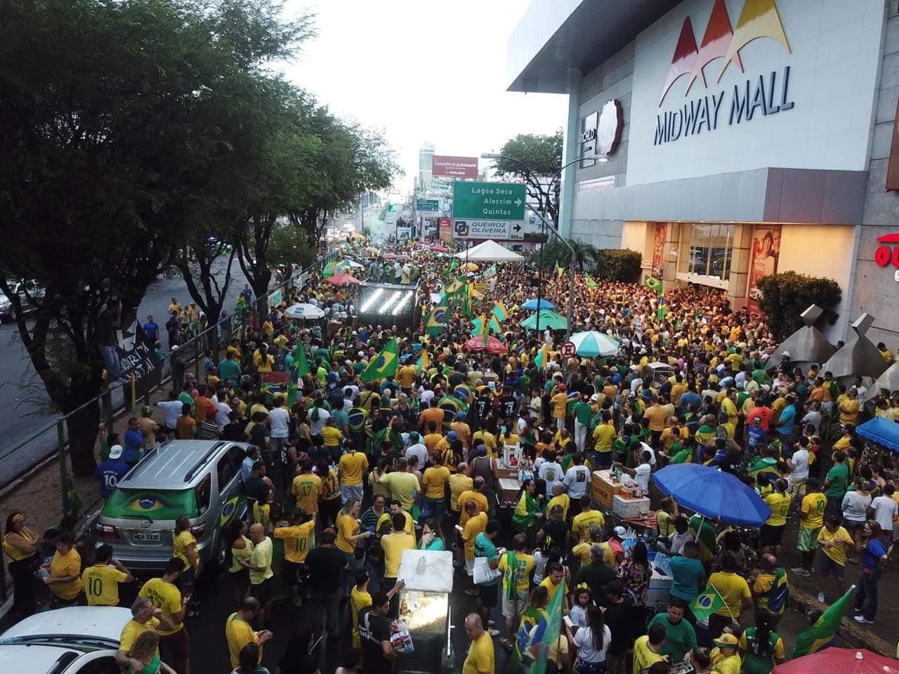 Manifestação reúne cerca de 20 mil pessoas em Natal em apoio a governo Bolsonaro