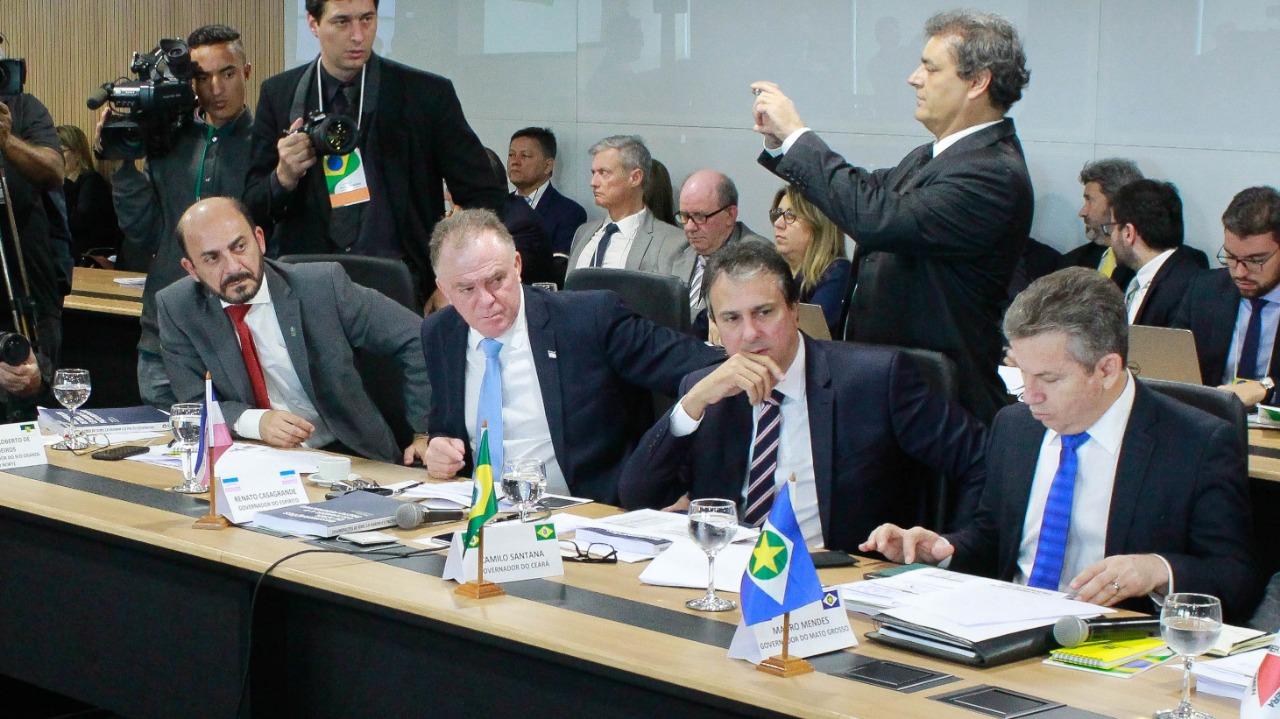 Previdência: Fátima falta reunião com governadores; vice dá aval para incluir RN