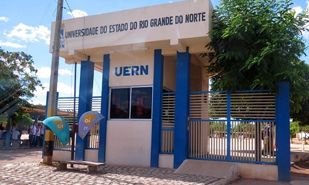 Educação: Governo Fátima Bezerra corta R$ 300 mil por mês da UERN