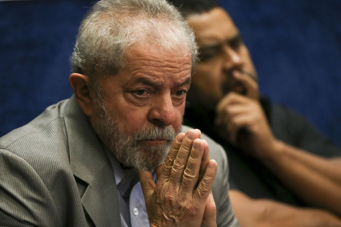 Lula informa aos advogados que não quer ir para o regime semiaberto