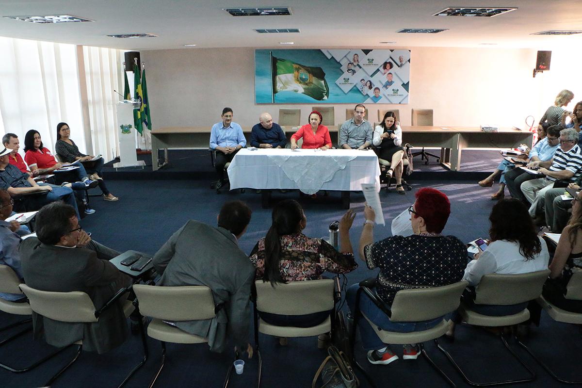 Governo do RN garante salários e 13º de 2019 em dia; atrasados sem previsão