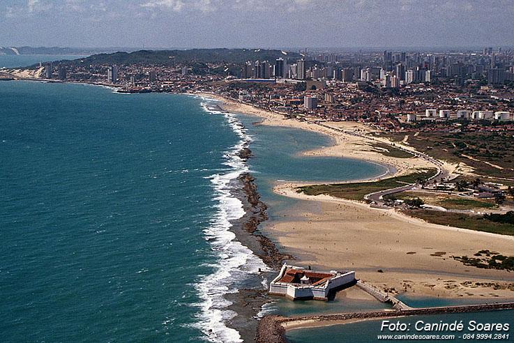 Praias do litoral potiguar estão todas próprias para banho, aponta boletim