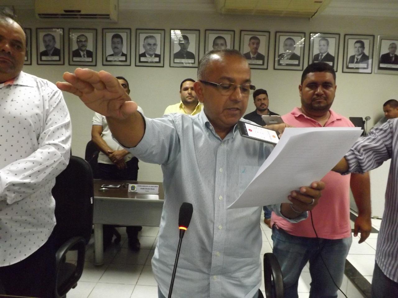 Presidente da Câmara é empossado prefeito interino de cidade do RN