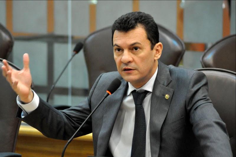 Justiça condena ex-deputado do RN a 4 anos de prisão por forjar licitação