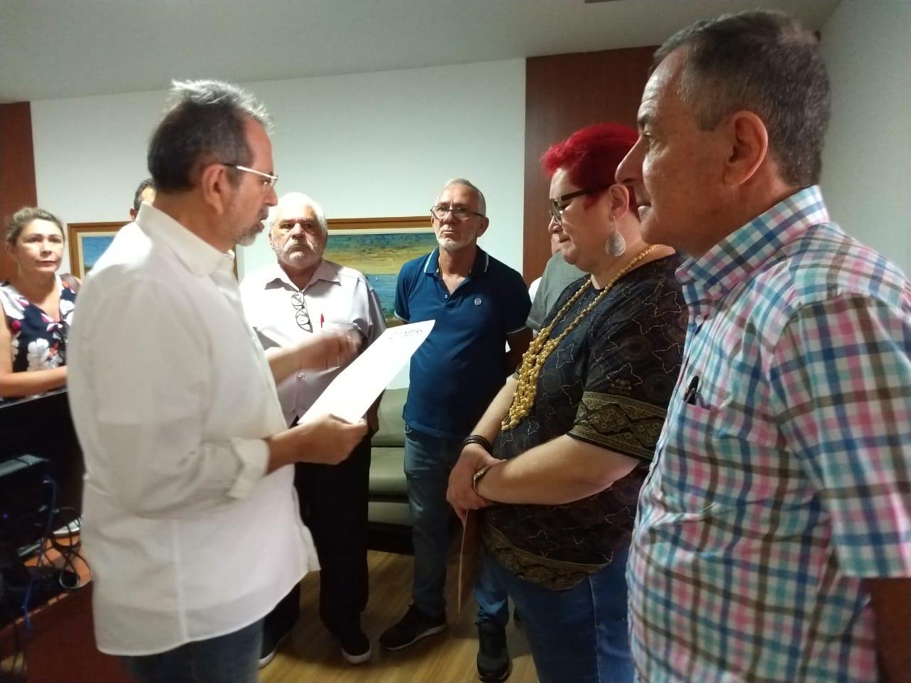Ex-servidores do Bandern pedem audiência com Fátima e farão bolo na Governadoria