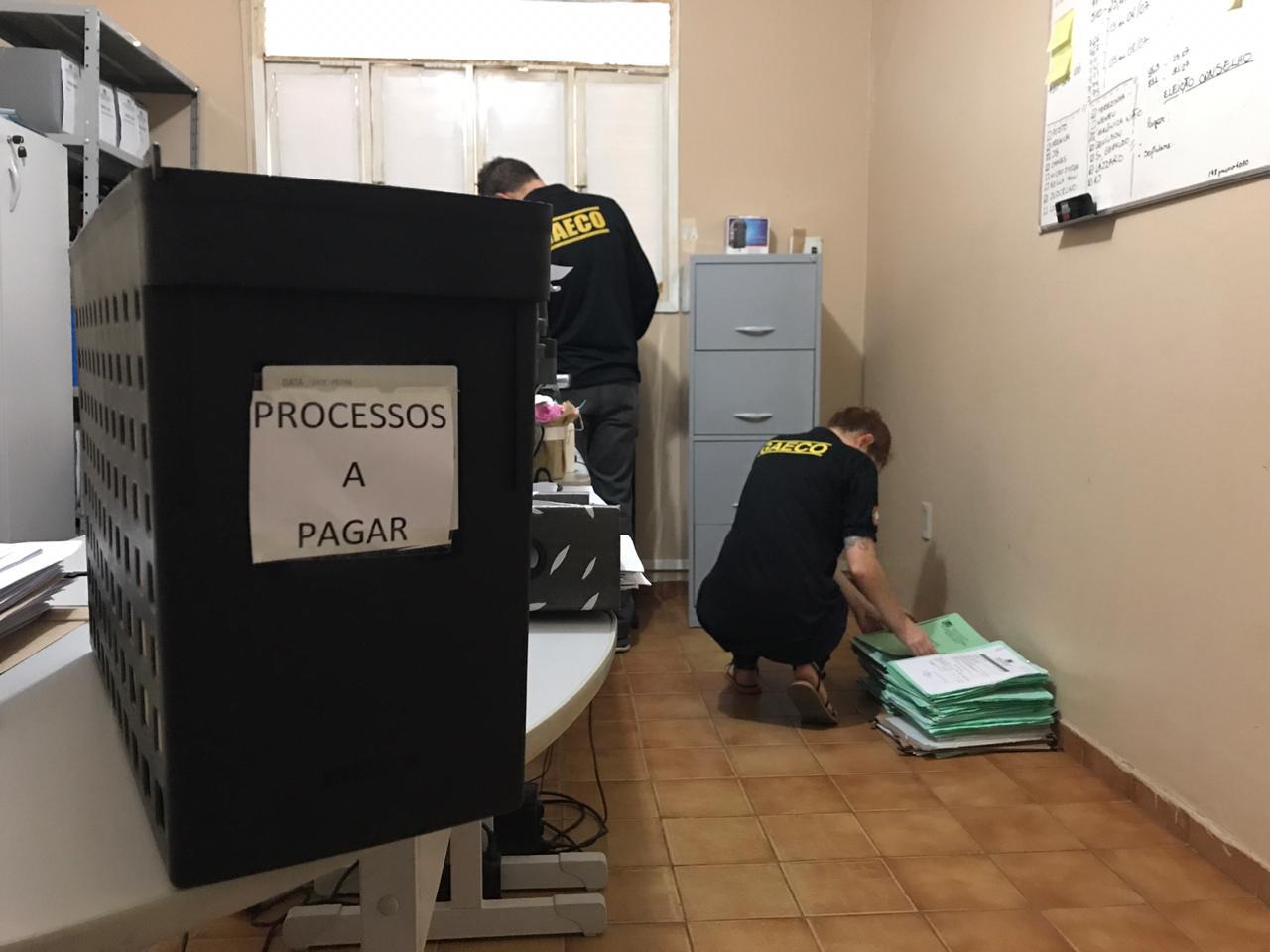 Operação do MP contra fraude de R$ 1,5 milhão no RN prende ex-prefeito e mais 5
