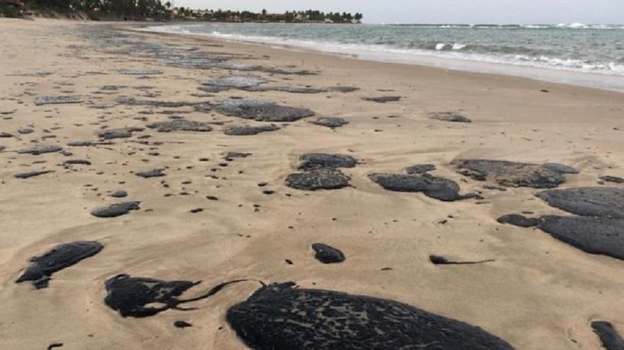 Governadores do Nordeste ainda não se pronunciaram sobre desastre ambiental