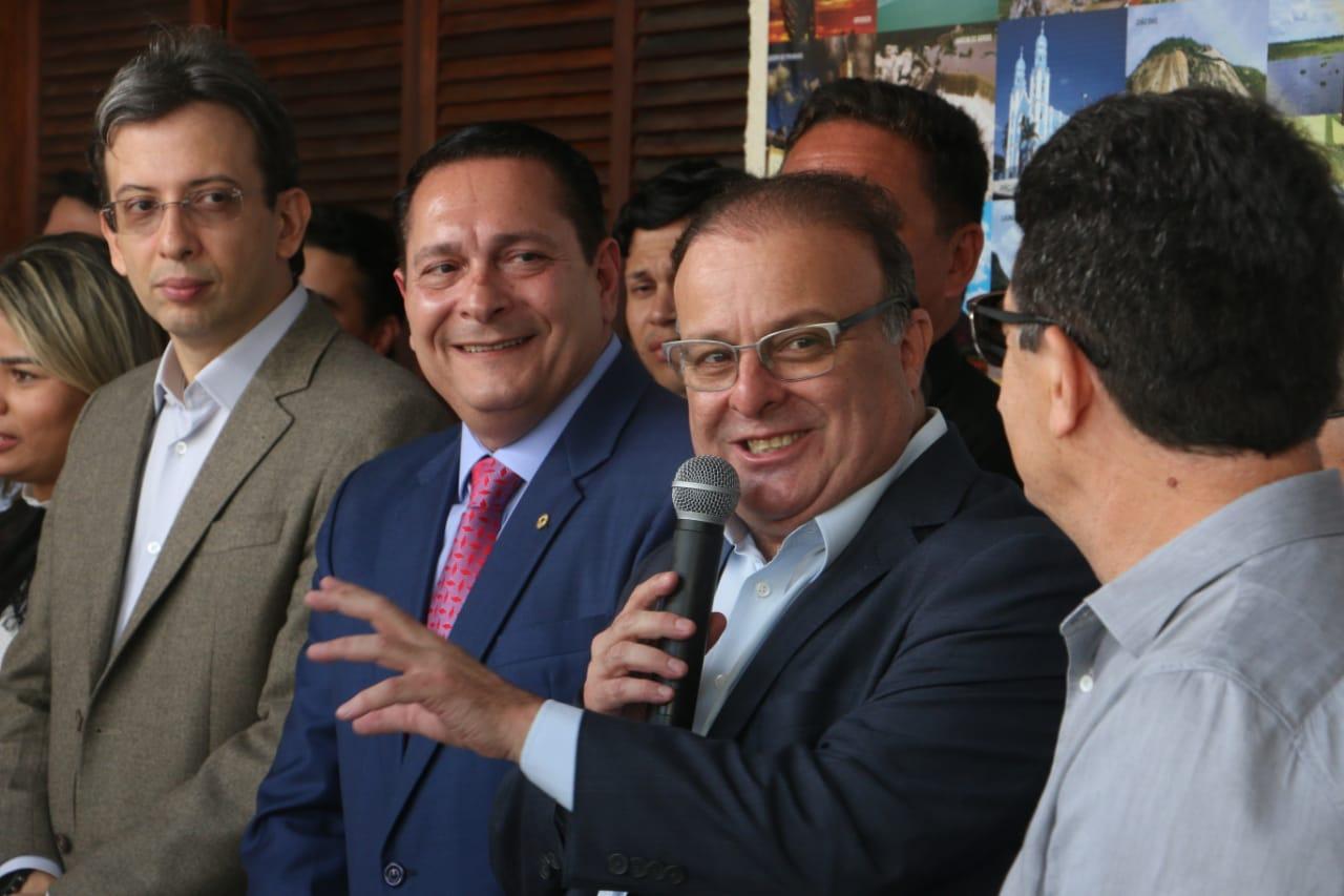 Com presença de Fátima e Ezequiel, Paulinho inaugura nova sede da Fecam-RN