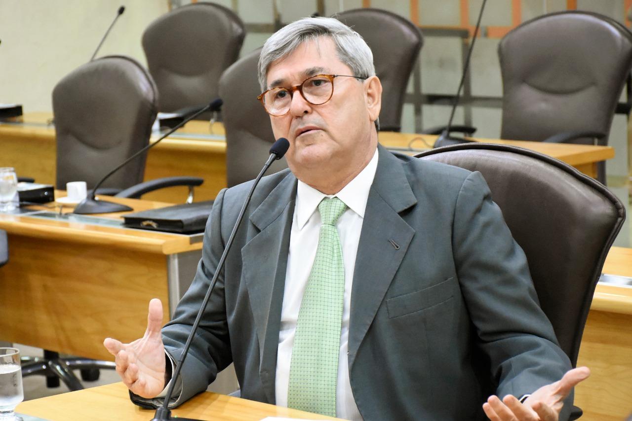 """""""Estão fechando tudo, paralisando tudo"""", diz Tomba sobre governo Fátima"""