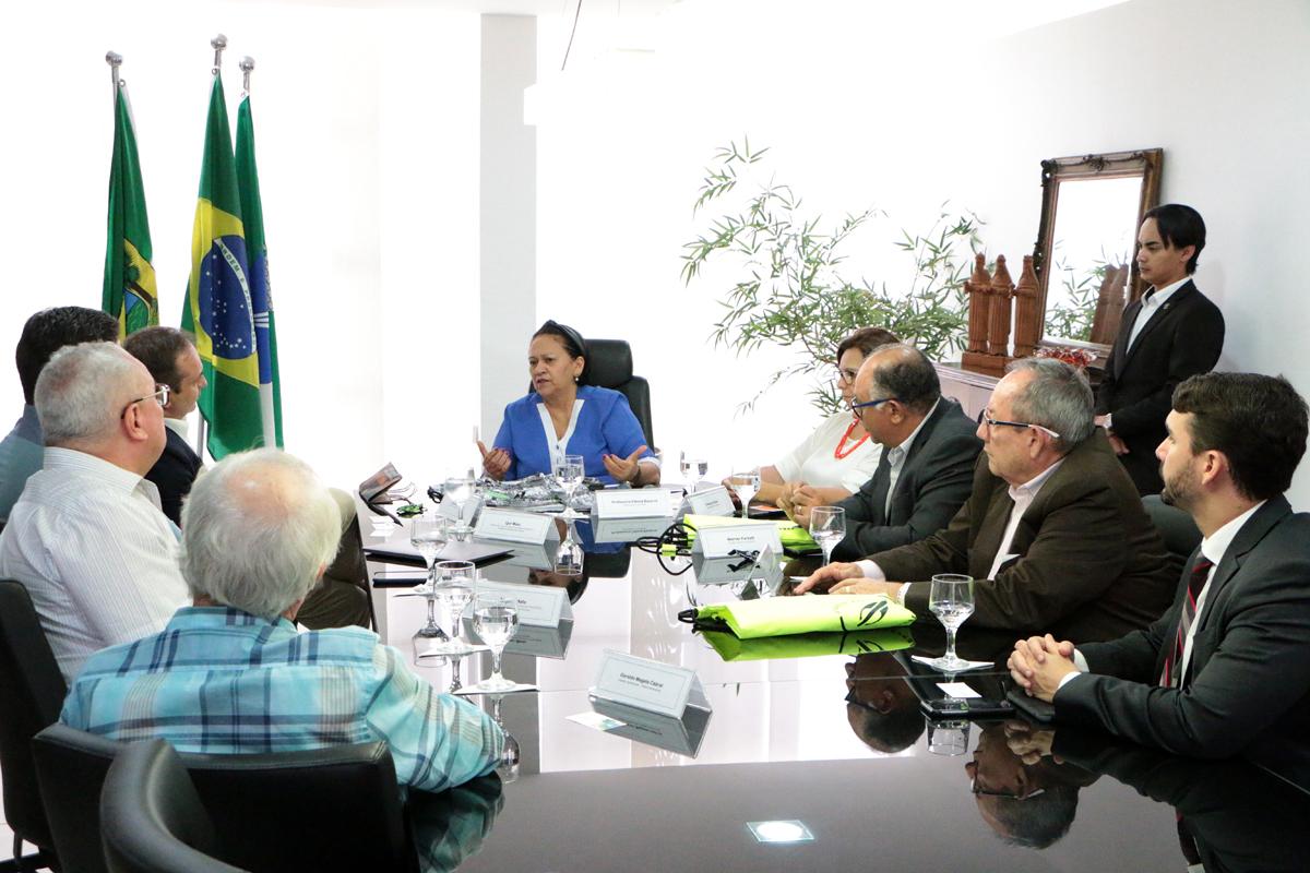 """Fátima Bezerra: """"O que o nosso povo precisa é de empregos"""""""