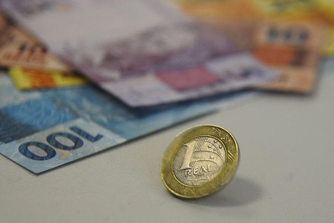 Queda de juros é oportunidade para renegociar dívidas