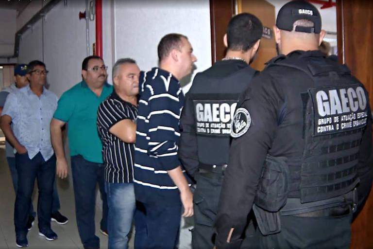 """Doze vereadores são presos na PB por fazer """"turismo"""" com dinheiro da Câmara"""