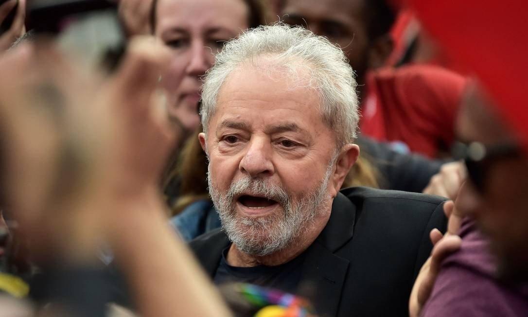Embora tenha sido solto, Lula não foi inocentado no caso do tríplex; veja outros