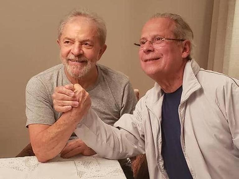 VÍDEO: Dirceu reencontra Lula e diz que luta agora é retomar o governo do Brasil