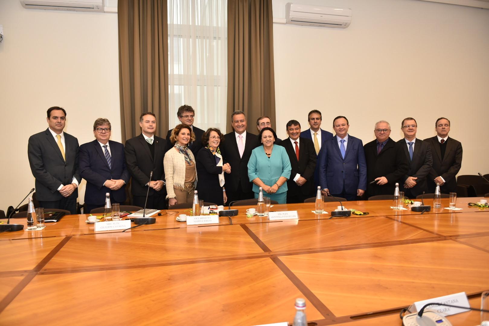 Governadores do NE apresentam oportunidades de negócios a empresários italianos