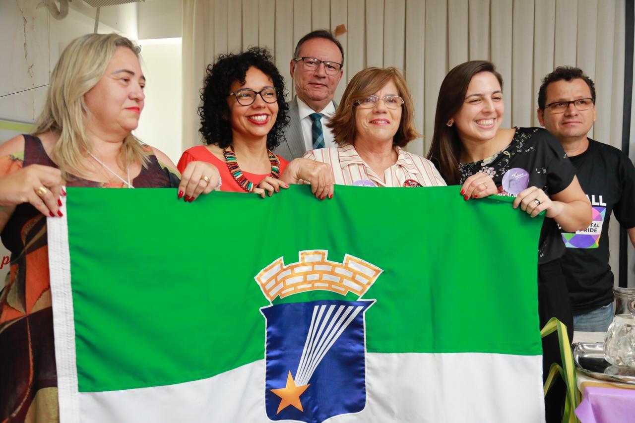 Coordenadora do Sinte-RN recebe título de Cidadã Natalense na Câmara Municipal
