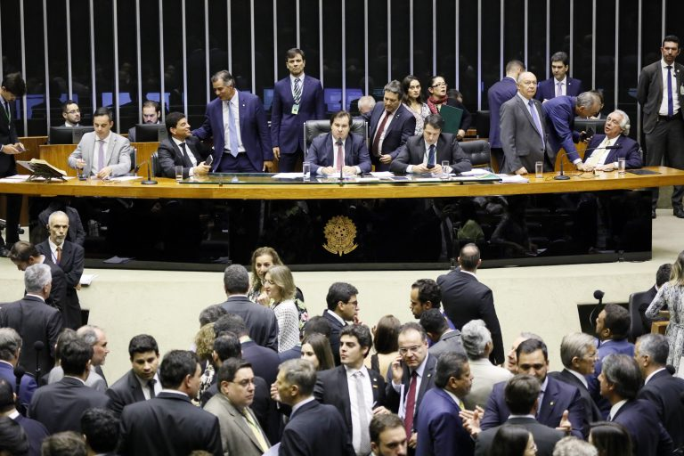 Deputados podem votar proposta que aumenta repasses da União para municípios