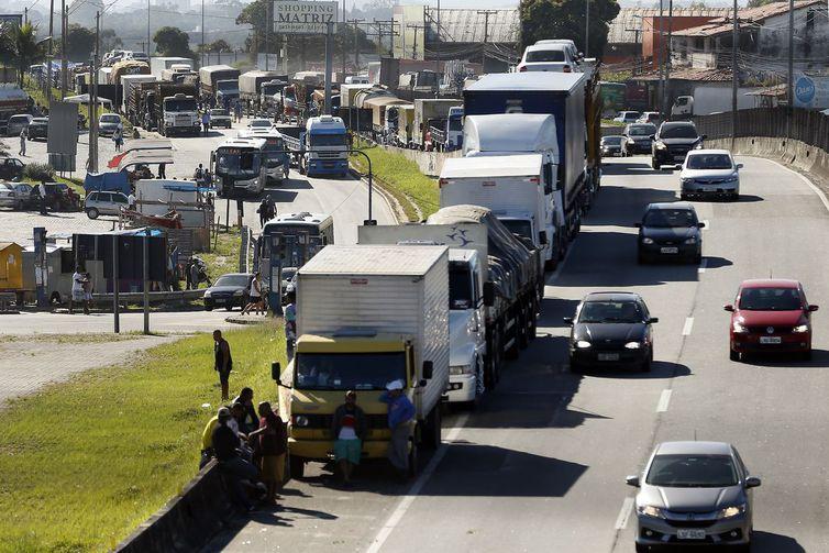 Governo Bolsonaro descarta greve nacional de caminhoneiros