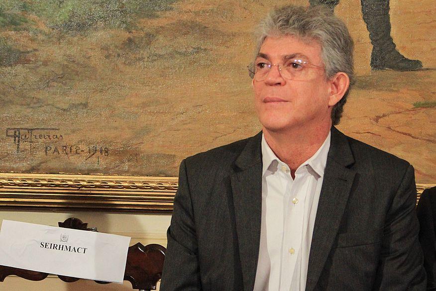Ex-governador da PB é preso pela Polícia Federal; mandados são cumpridos no RN