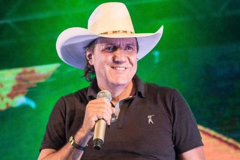 Cantor sertanejo morre depois de infarto durante show no Paraná