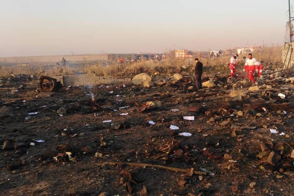 Avião ucraniano cai no Irã com 176 pessoas; não há sobreviventes