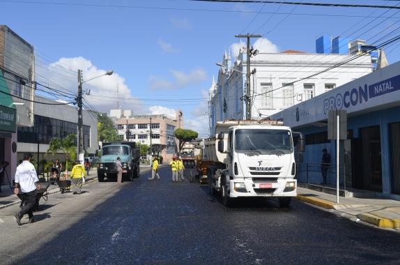Dinheiro arrecadado com multas está financiando recapeamento de ruas de Natal