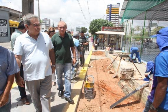 Praça Augusto Leite é revitalizada pela Prefeitura