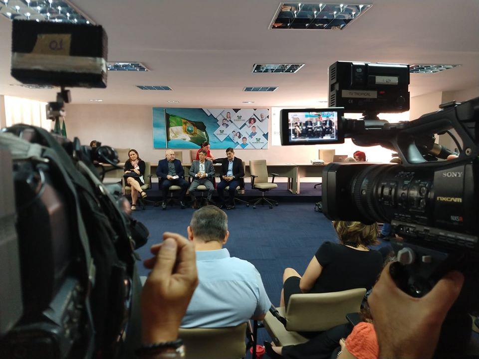 VÍDEO: Governo Fátima faz proposta de reforma e servidores abandonam reunião