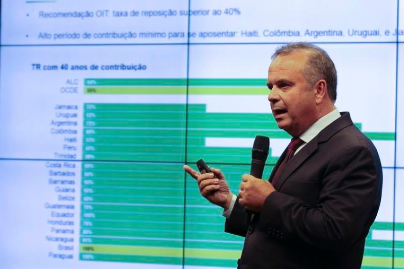 Rogério Marinho agradece a Bolsonaro e destaca legado para o país na Previdência