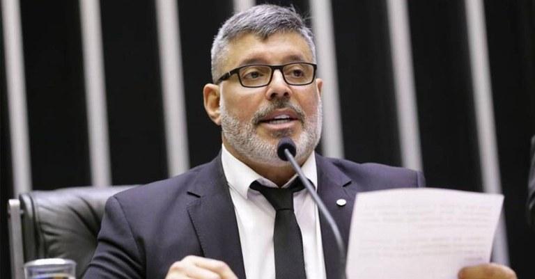 Ex-aliado entrará com pedido de impeachment de Bolsonaro