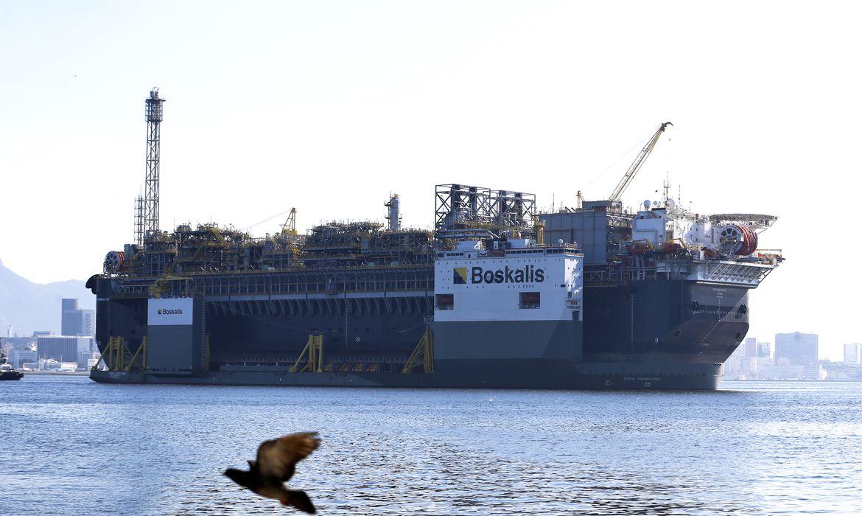 Petróleo registra a maior queda desde a Guerra do Golfo